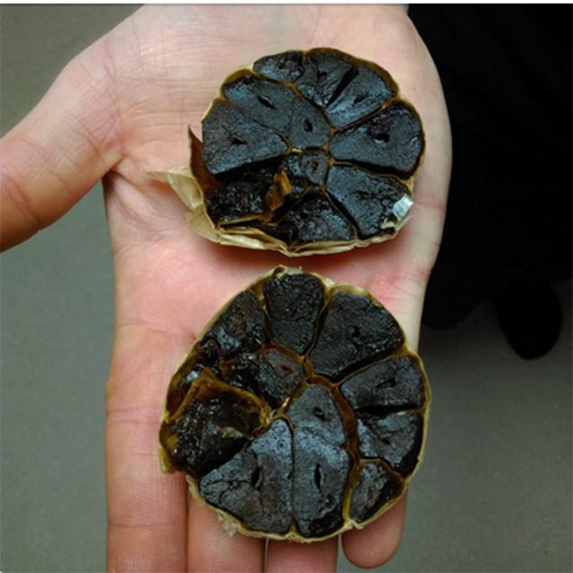 Whole Head black garlic